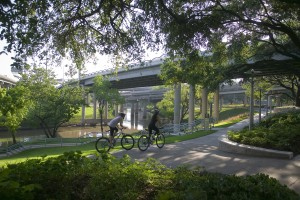The ASLA launched a new online guide to educate the public on the health benefits of green spaces, such as the one captured here of the Buffalo Bayou Promenade. Photo: Tom Fox.
