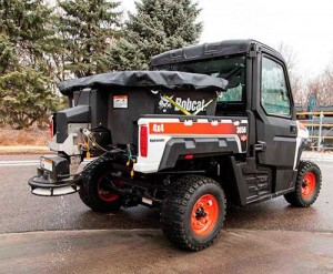Bobcat_UTV_spreader