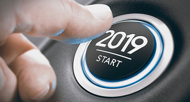Hand with 2019 dial (Photo: iStock.com/Olivier Le Moal)