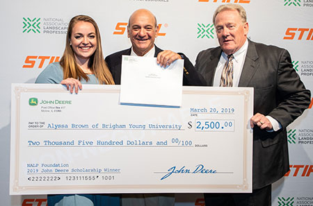 Alyssa Brown (left) wins scholarship award. (Photo: John Deere)