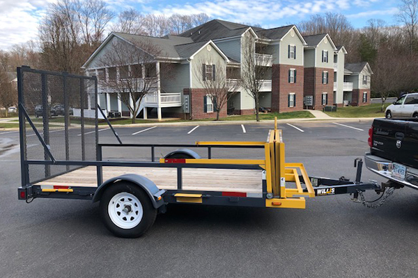 Willis Trailers' single-axle extendable utility trailer with pressure-treated wood floors.