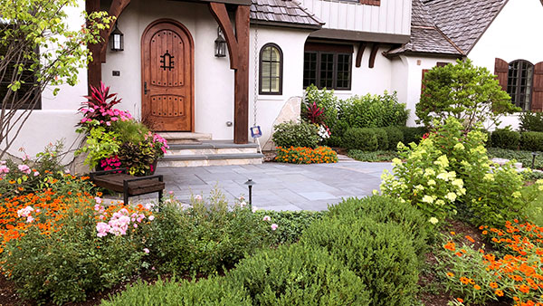 Front door view of house (Photo: James Martin Associates)