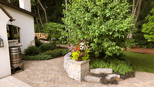 Plantings and retaining wall (Photo: James Martin Associates)