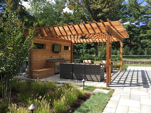 Plantings and pergola (Photo: Ledden Palimeno Landscape Co.)