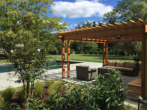Cedar pergola (Photo: Ledden Palimeno Landscape Co.)