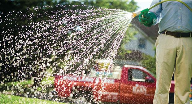 Man spraying (Photo: Bayer)