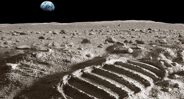 Footprint on moon (Photo: iStock.com/narvikk)