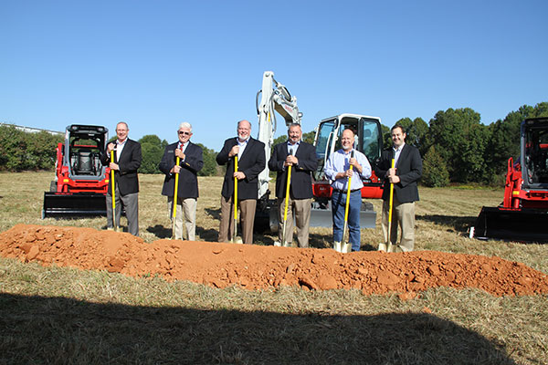 Left to right: Jim Shaw, Tom Crow, Clay Eubanks, Jeff Stewart, James Tipton and John Scott. (Photo: Takeuchi US)