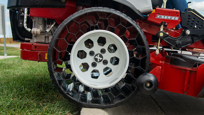 Exmark Tractus airless radial tires
