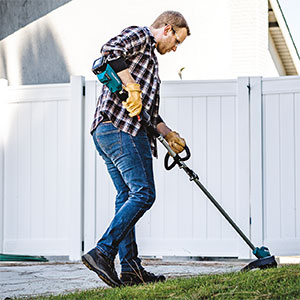 XRU12 string trimmer (Photo: Makita U.S.A.)