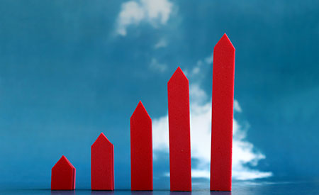 Graph depicting upward trend (Photo: hyejin kang/Essentials Collection/Getty Images)