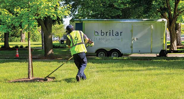 Brilar employee (Photo: Marvin Shaouni)