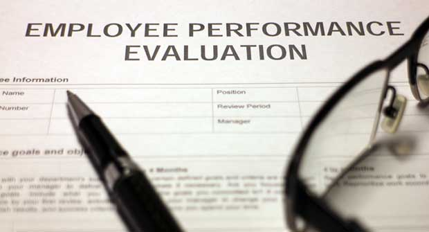 Annual review form (Photo: Hailshadow/iStock / Getty Images/Getty Images Plus)