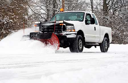 Snow plow during storm (Photo: Photo: fullvalue/E+/Getty Images)