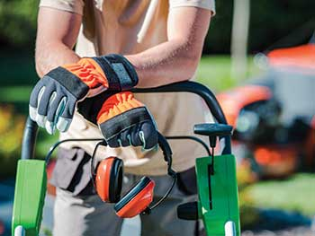 Landscaper with safety gear (Photo: welcomia/iStock / Getty Images Plus/getty images)