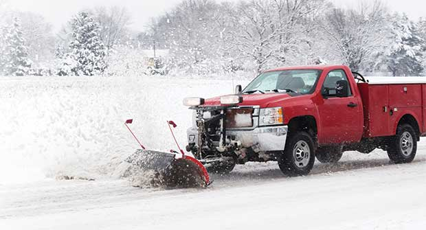 Plow removing snow (Photo: lissart/iStock / Getty Images Plus/Getty Images)