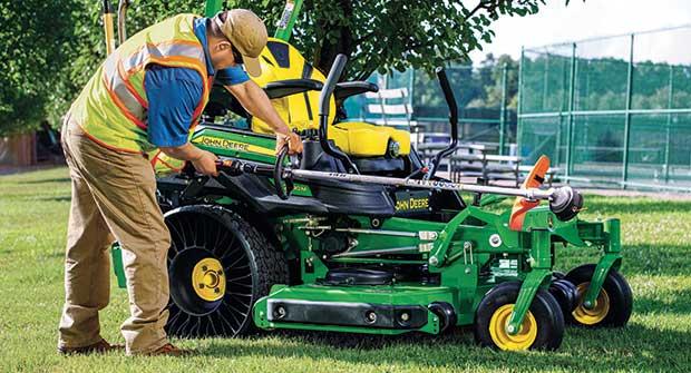 Mower technology has come a long way since 1992. (Photo: John Deere)