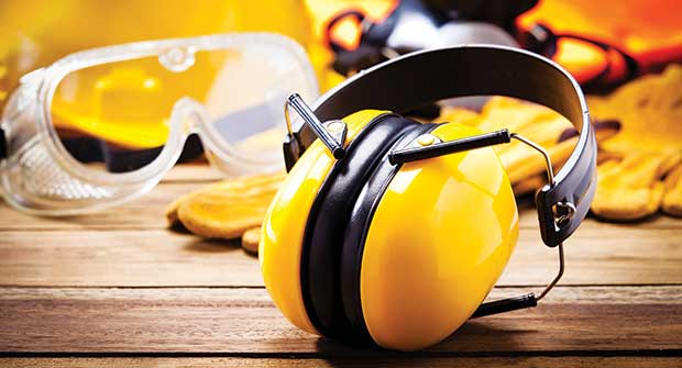 Safety gear (Photo: fcafotodigital/iStock / Getty Images Plus/Getty Images)