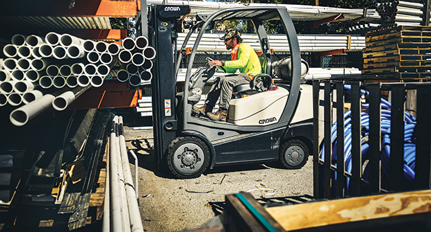 Perks of partnering with distributors include discounted delivery fees, loyalty programs and more. (Photo courtesy of SiteOne Landscape Supply)
