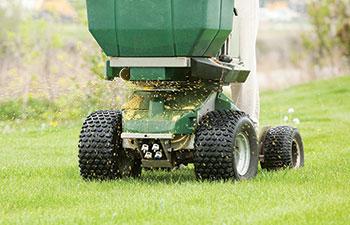 Fertilizer spreader (Photo: BanksPhotos/iStock / Getty Images Plus/Getty Images)
