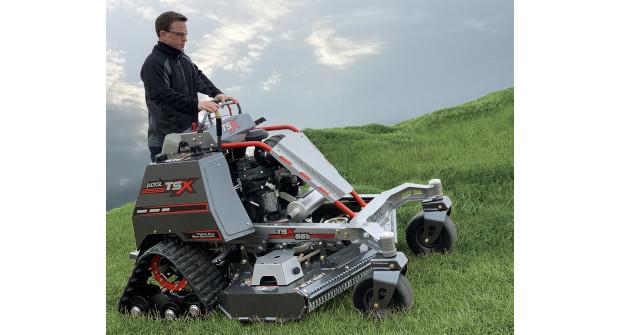 Altoz TSX 561 i stand-on mower (Photo: Altoz)